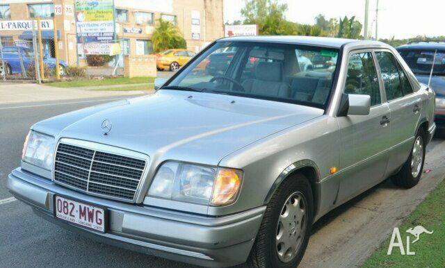 MERCEDES-BENZ E220 124  1993