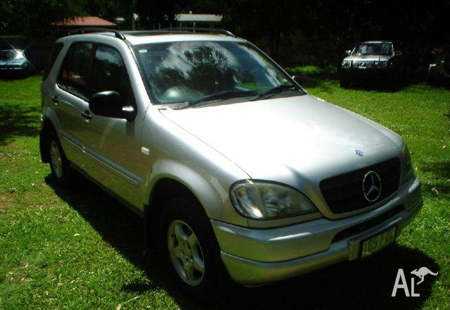 Mercedes benz ml 320 luxury 4x4 2000 for sale in for Mercedes benz seat belt purse