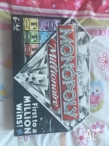 Monopoly Millionaire Board Game - near new