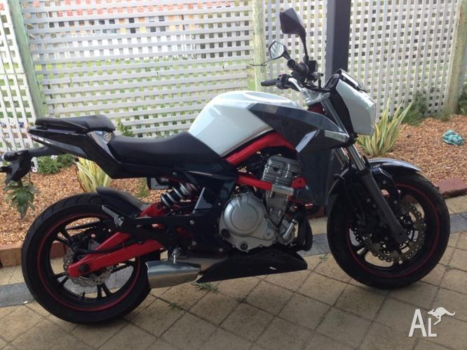 Motorbike - CF Moto 650nk 2012