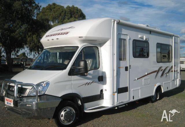 MOTORHOME Winnebago Esperance B2634SL ALMOST NEW!