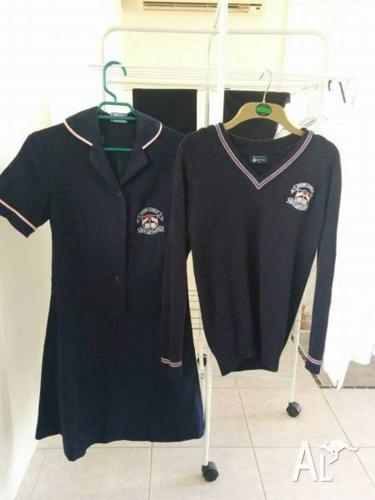 Mount Lawley SHS girls uniform - 10 items, mainly size