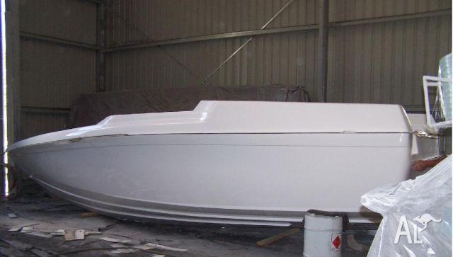 Mustang 9.2m Hull & Deck Kit Set - Fibre Glass