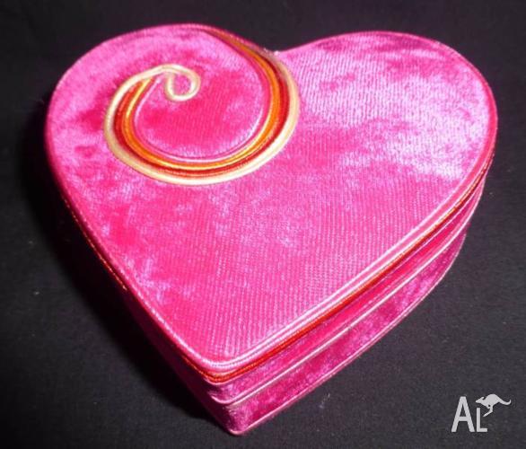 MY PINK OBSESSION - Hot Pink Velvet Trinket Box
