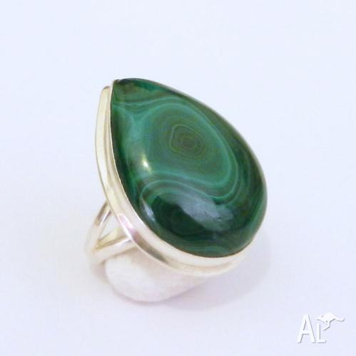 NATURAL MALACHITE STERLING SILVER 925 DESIGNER RING. US