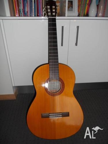 New Yamaha Acoustic Guitar C40 nylon string