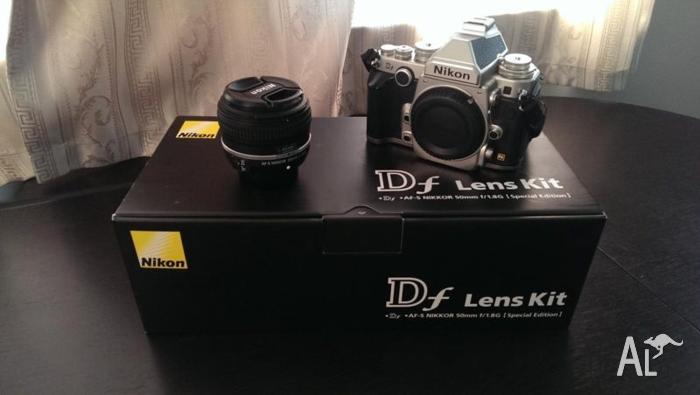 Nikon Df Lens Kit (Silver)