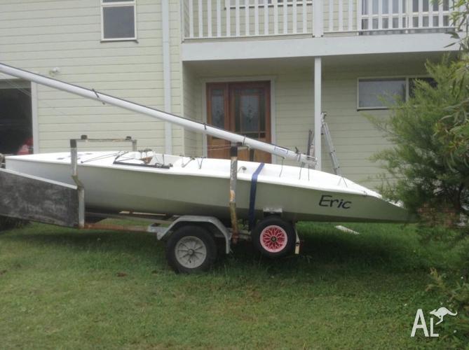 NS14 Sail Boat
