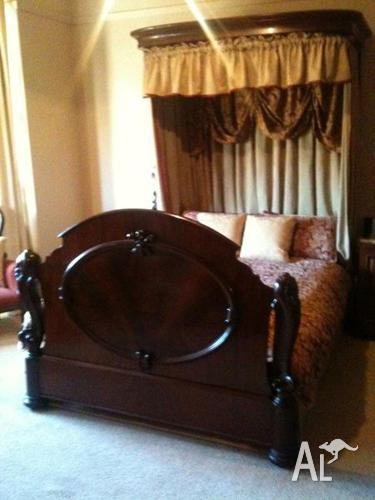 original early victorian mahogany queen size half tester. Black Bedroom Furniture Sets. Home Design Ideas