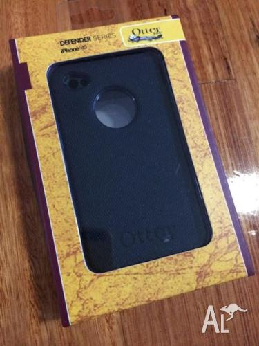 OtterBox Defender Case for iPhone 4/4s (BRAND NEW)