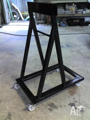 Outboard engine stand for sale in godwin beach queensland for Large outboard motor stand
