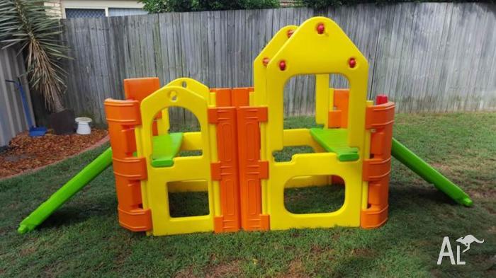 Outdoor play gym ampi plastics playgym with sprinker