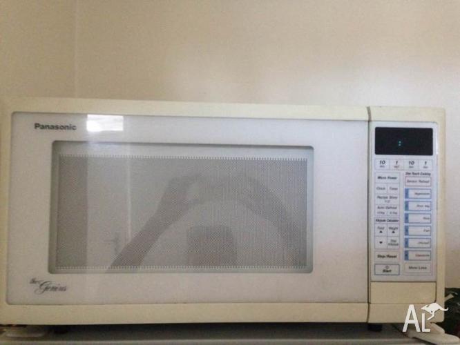 PANASONIC Microwave - MUST GO THIS WEEK!