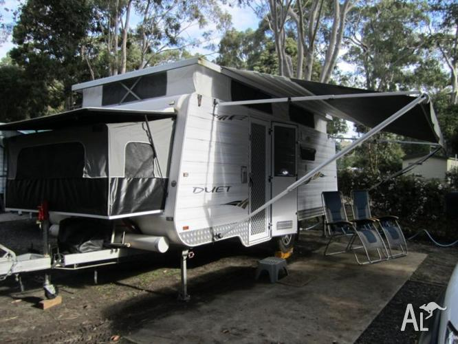 Paramount Duet Expanda Pop Top Caravan With Shower Toilet