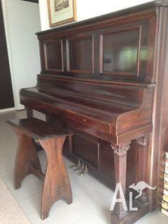 PIANOLA, PIANO SEAT AND ROLLS