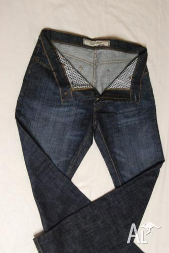 Pierre Cardin Jeans , for 1000 pairs ,size 30 to 42
