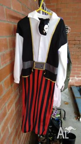 Pirate costume, H&M size EU 116, AU 4/6 (?)