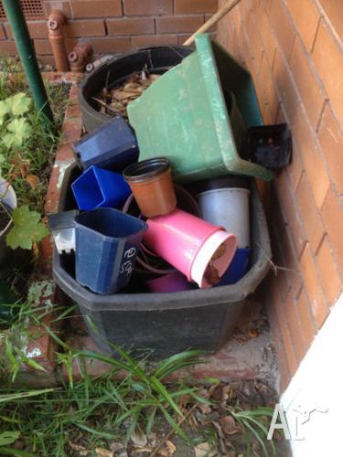plastic pots for garden