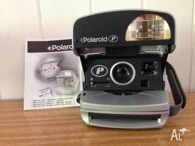 Polaroid 600 Once Step Camera