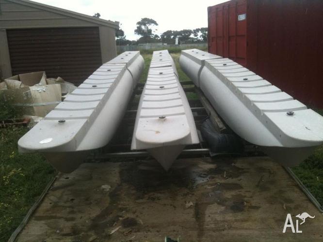 Polyethylene Plastic Pontoon Boat Hulls, x 6 for 25ft Tritoon for Sale in ALTONA EAST, Victoria ...
