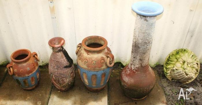 Pots with an aged look in good condition
