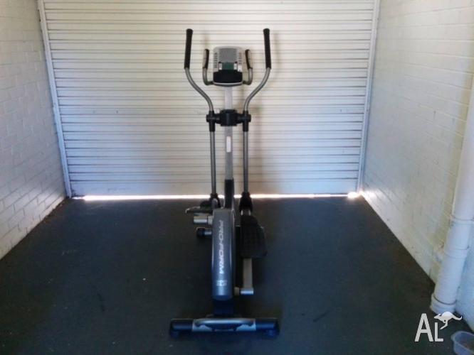Proform 300 ZLE Elliptical Cross Trainer