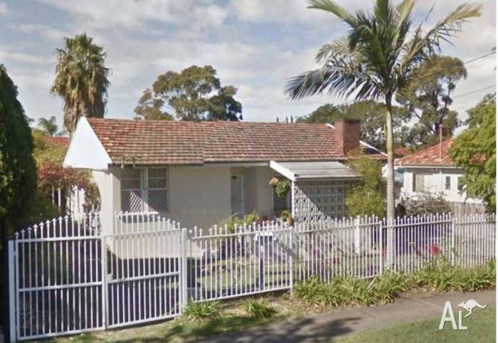 Property - 25 Warwick Rd, Merrylands NSW 2160
