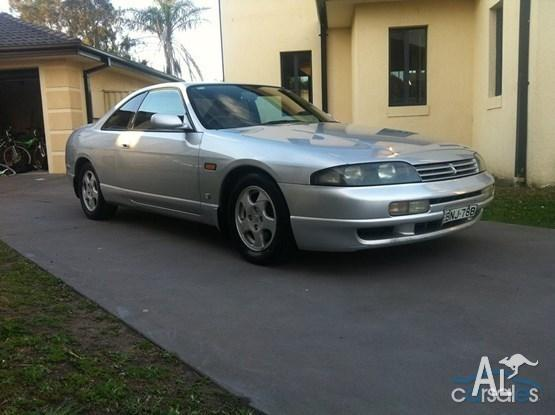 r33 nissan skyline coupe non turbo manual great car for sale in bennetts green new south. Black Bedroom Furniture Sets. Home Design Ideas