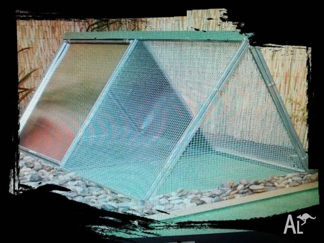 **Rabbit hutches .Chicken coop** --- Clearance sale