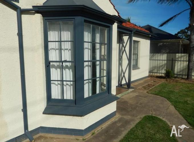 Rare positive cashflow property in high growth area