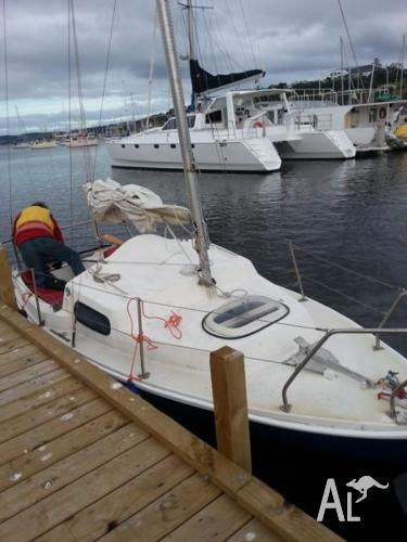 Red Jacket Yacht with Mooring