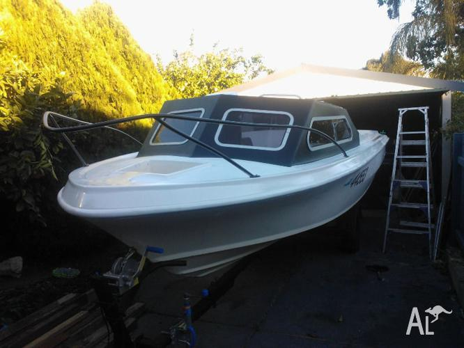 Registred 16 feet boat with trailer
