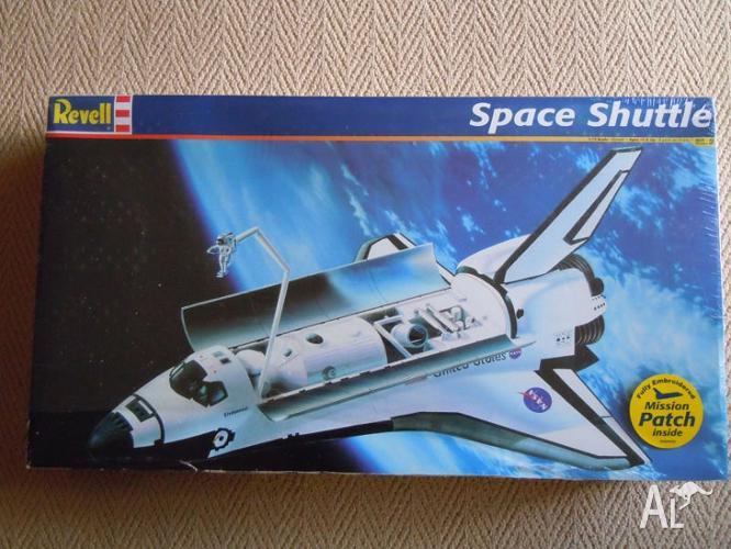 Revell 1/72 model kit 85-5085 Space Shuttle for Sale in ...