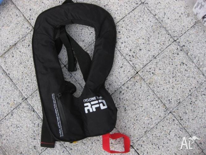 RFD Cyclone N150 manual inflatable lifejacket.