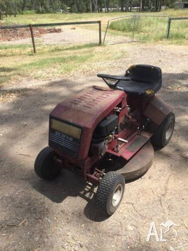 RIDE ON MOWER SERVICING AND REPAIRS