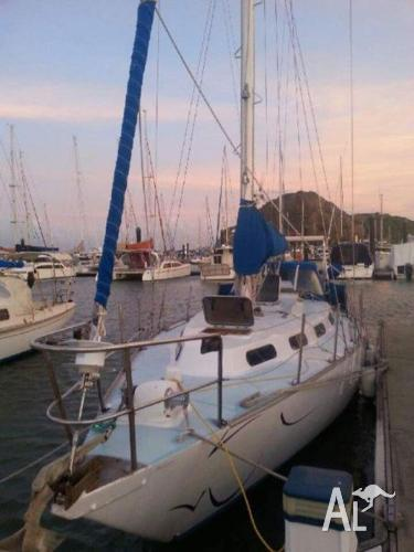 Roberts 34ft Yacht in TinCan bay..ready to