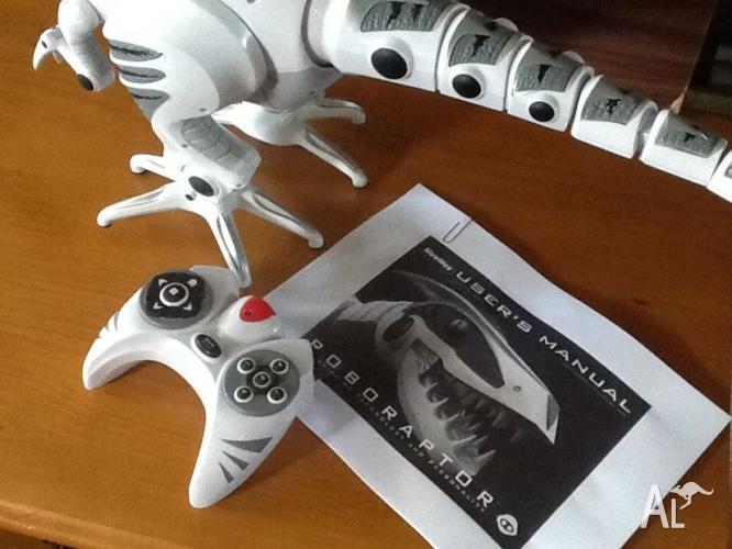 Roboraptor - interactive robot
