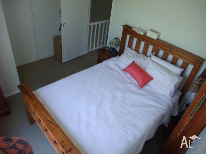 Room + Bathroom in Yeronga $195 p/w