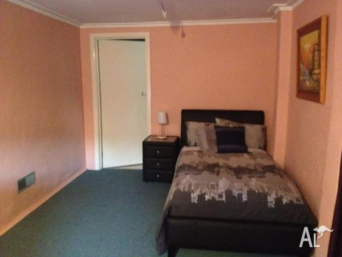 Room for rent fully furnished forest hill for sale in for Furnished room