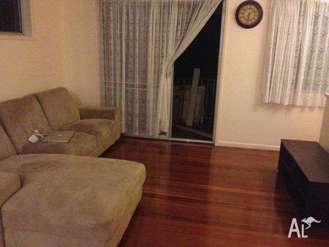 Room for rent in huge house $130 p/w