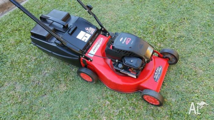 Rover quattro lawn mower 4 stroke in good condition