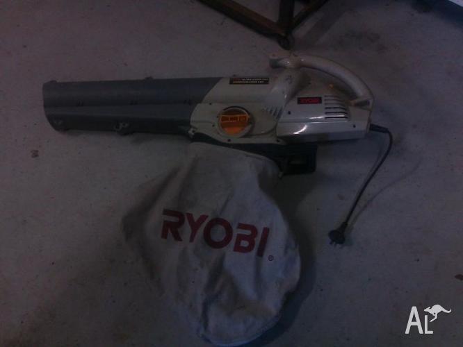 RYOBI BLOWER VAC ( ELECTRIC )