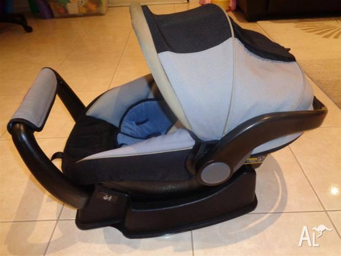 Safe and Sound unity baby car capsule