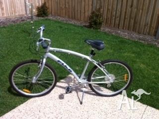 Sagres 3 0 Fuji bike - Like new! for Sale in CANNONS CREEK, Victoria