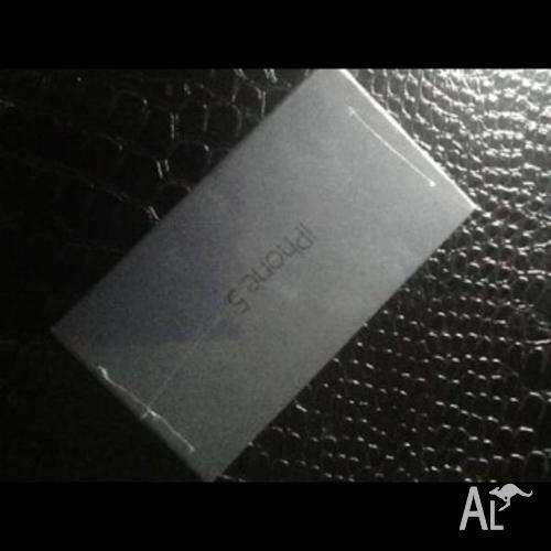 Sale Iphone5 64GB Black&White Unlocked Sealed 1 year