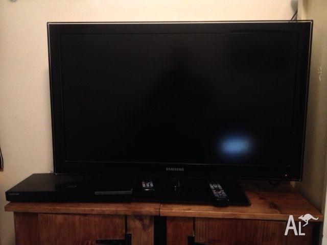 Samsung 37' plasma TV and bluray DVD player