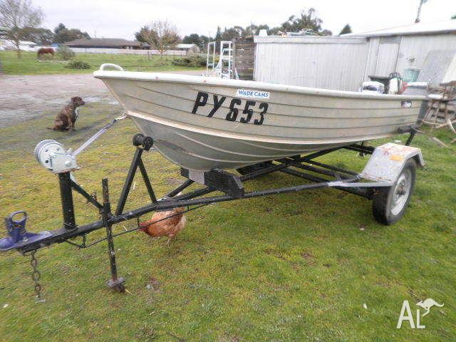 SAVAGE 11ft TINNY & 15hp EVINRUDE & TRAILER