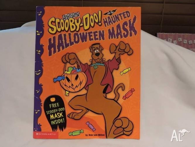 SCOOBY DOO AND THE HAUNTED HALLOWEEN MASK