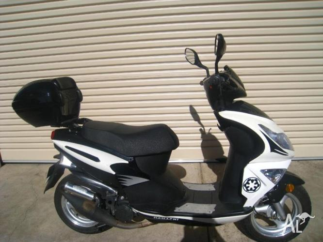 Scooter 50cc Fast Larger 2 Seater With All Accessories For Sale