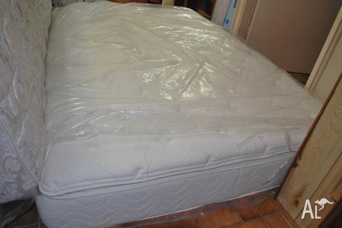 Sealy, Sleepmaker queen mattress, frame/base(can